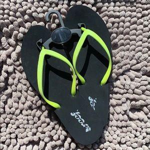 Reef women's flip flop sandals liime green 💚